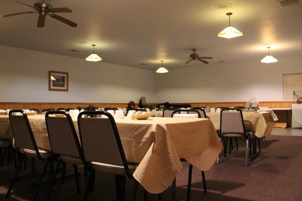 Cedar Falls Family Restaurant: 2627 Center St, Cedar Falls, IA