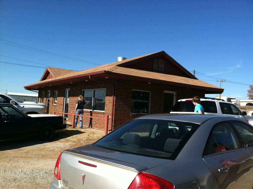 Burger Shack-N-Snack: 424 W Central Ave, Medicine Lodge, KS