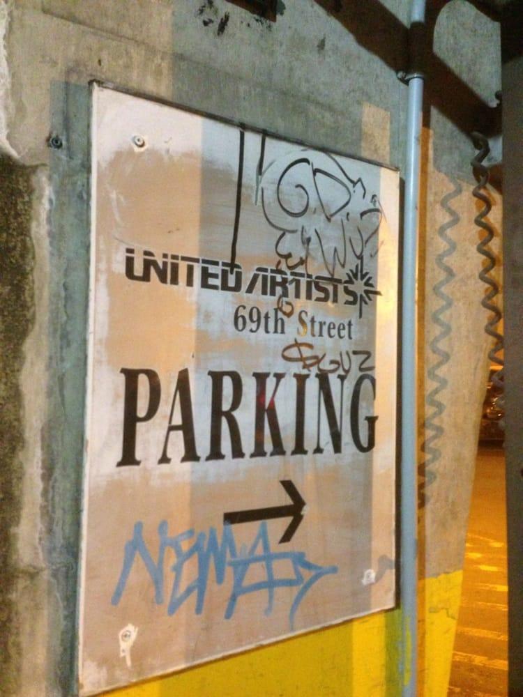 United Artist Theatre: 53 S 69th St, Upper Darby, PA
