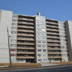 Photo Of Humber River Apartments Toronto On Canada Located Just Kitty