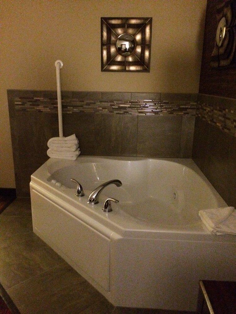 GrandStay Hotel & Suites- Tea/Sioux Falls: 830 Gateway Ln, Tea, SD