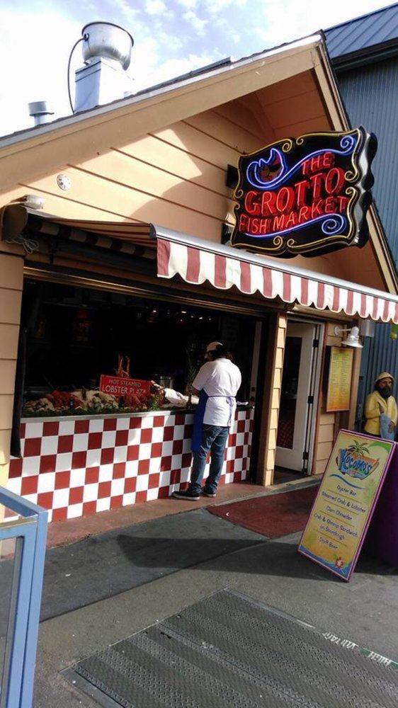 Grotto fish market 670 kuvaa 412 arvostelua for Fish market monterey ca
