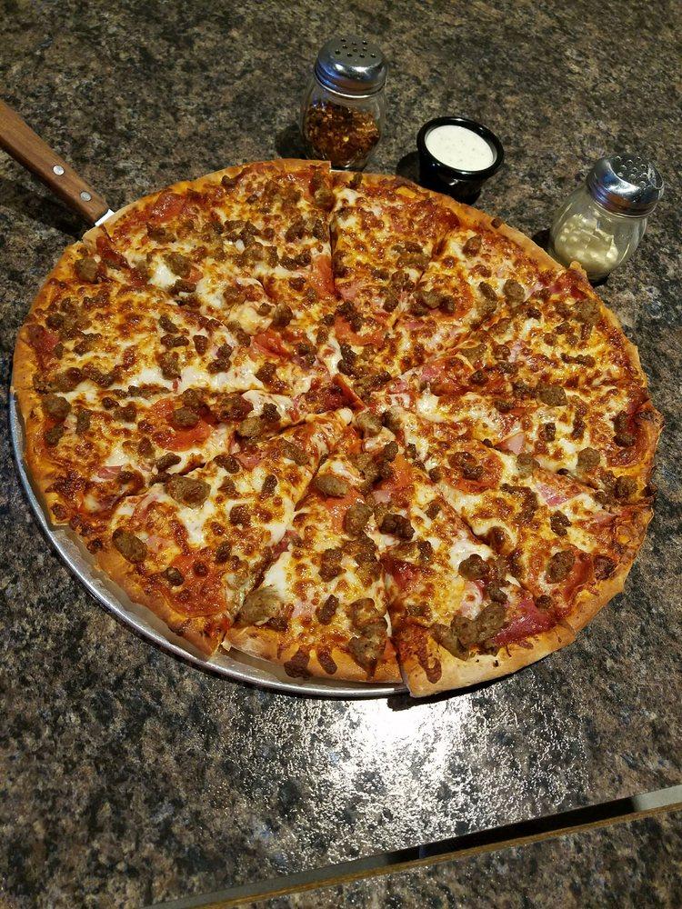Reggie's Pizza: 321 W Kansas Av, Greensburg, KS
