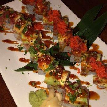 Chucks fish 62 photos 38 reviews sushi 551 dauphin for Chucks fish menu