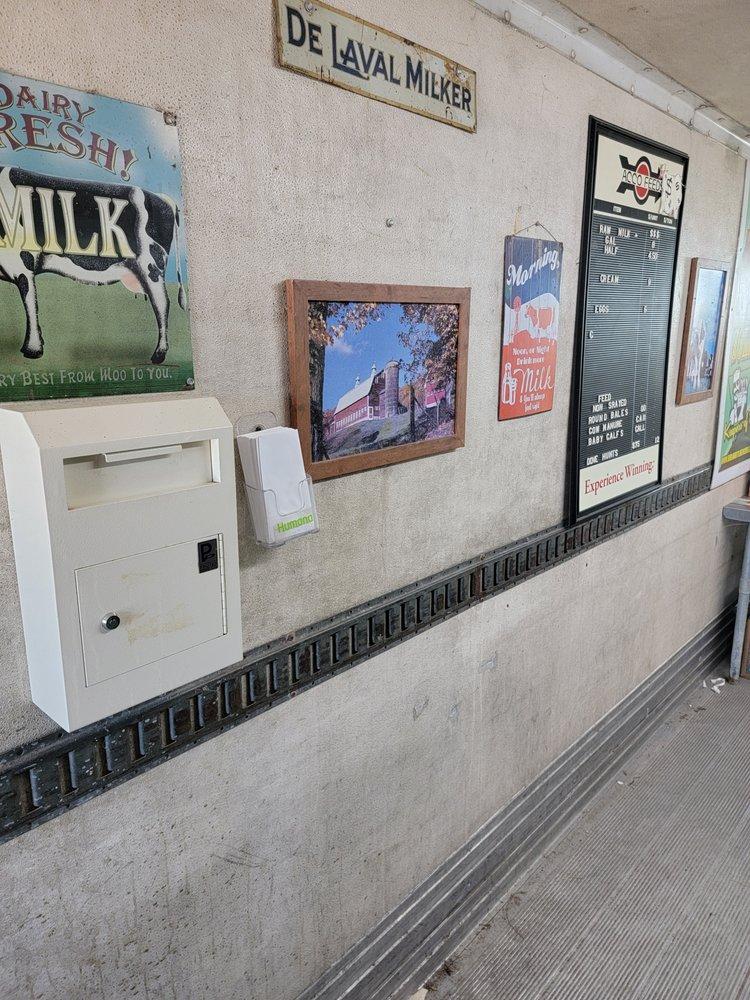 Miller Farms Raw Milk: 12730 Fm 471 So, Lacoste, TX