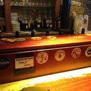 Ty Anna Tavern - Rennes, France. Les bières à la pression!
