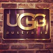 ugg store on rush
