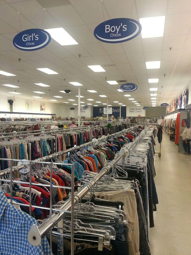 Goodwill Store - Dayton: 200 Able Dr, Dayton, TN