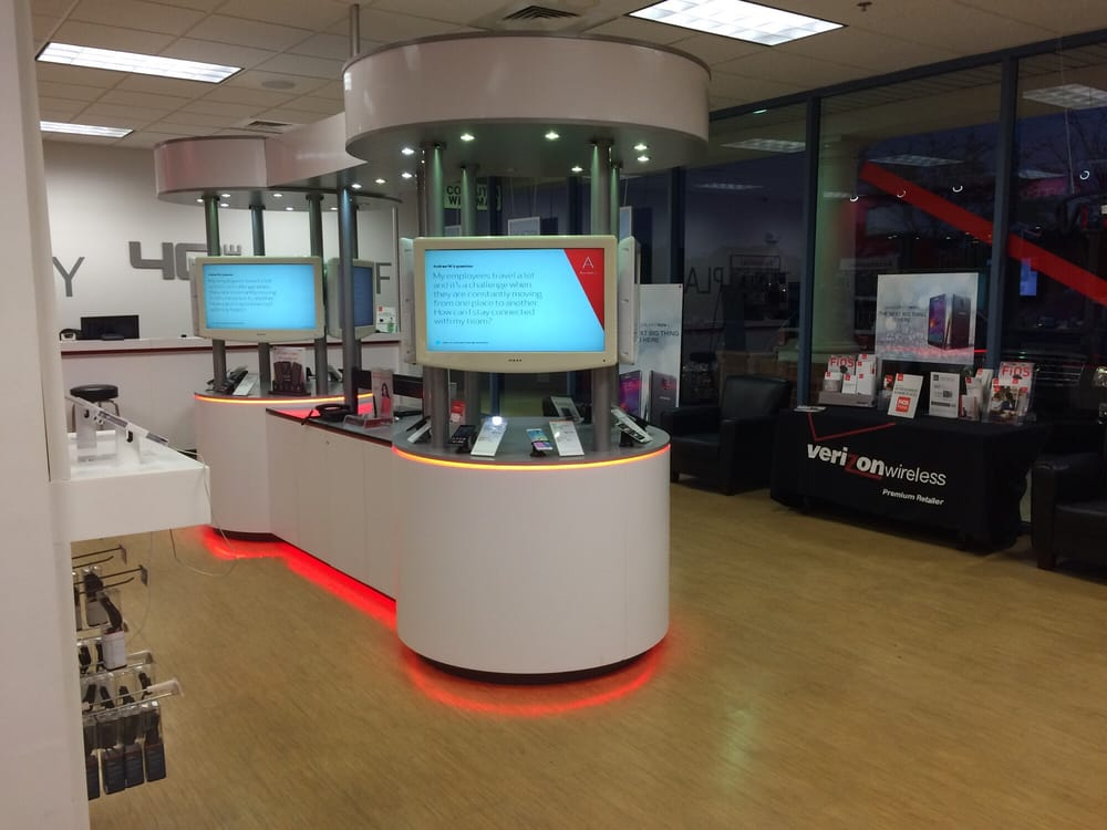 Verizon Wireless - The Wireless Center: 44110 Ashburn Shopping Plz, Ashburn, VA