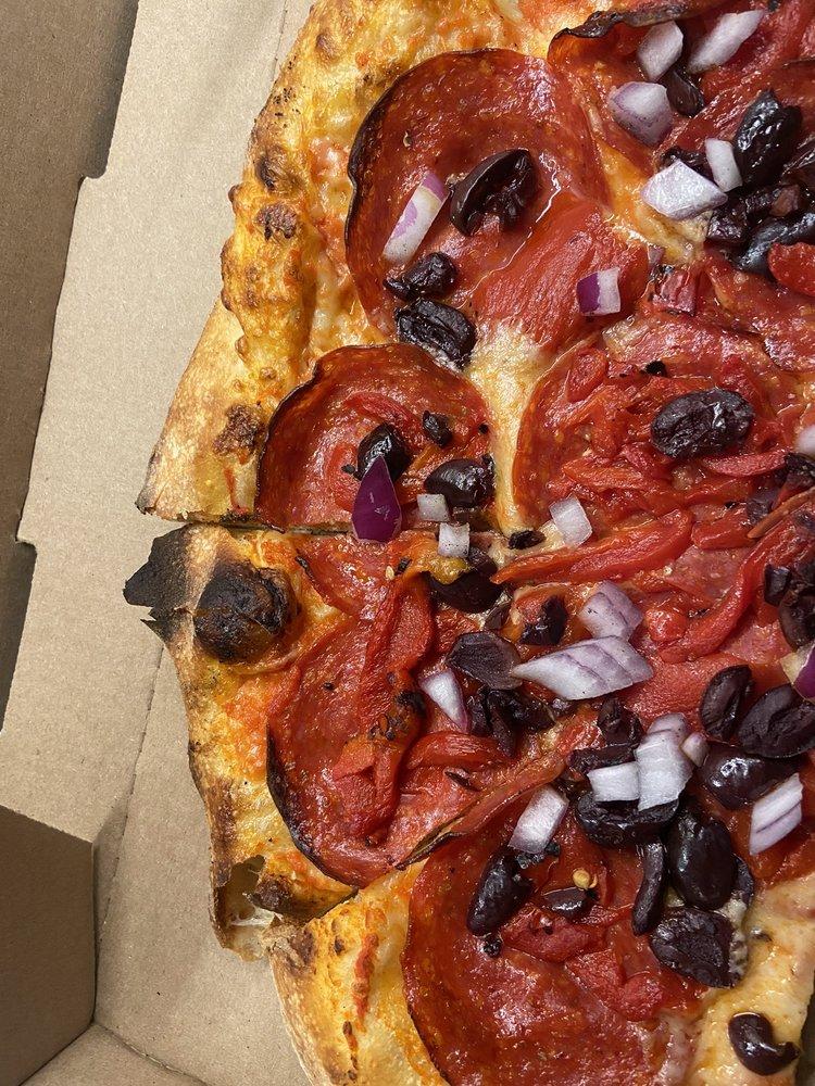 Heartland Pizza: 2822 Ramada Way, Green Bay, WI
