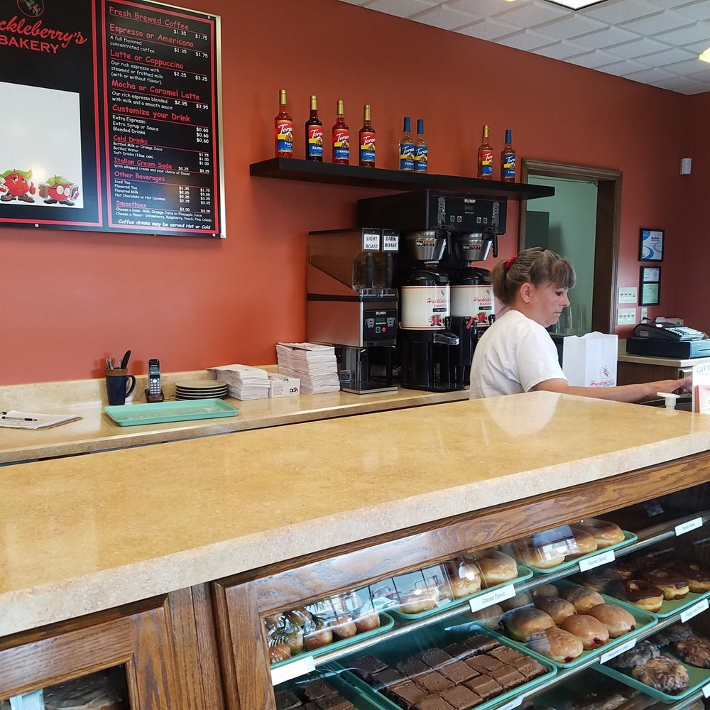 Huckleberry's Bakery: 915 W Main St, Mitchell, IN