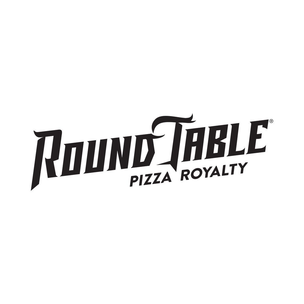 Round Table Pizza Clubhouse: 1831 Bellevue Rd, Atwater, CA