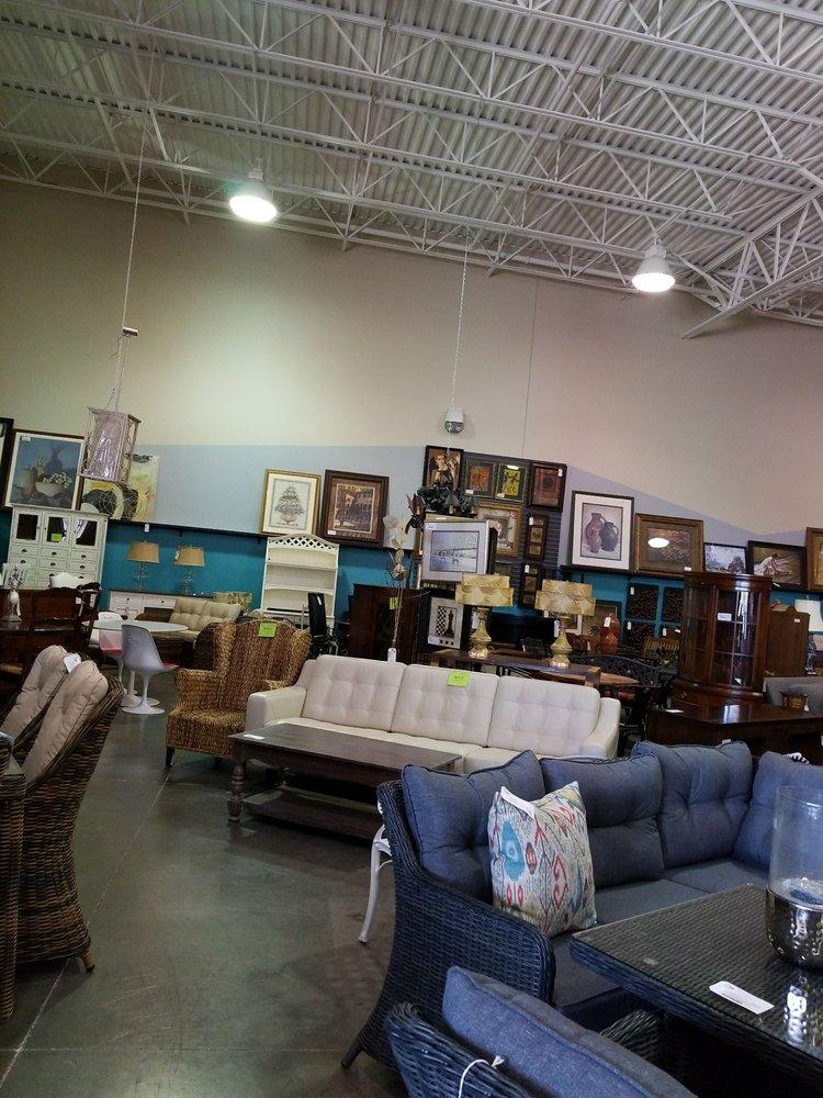 Home consignment center 24 fotos e 36 avalia es lojas for Mobilia center e confiavel