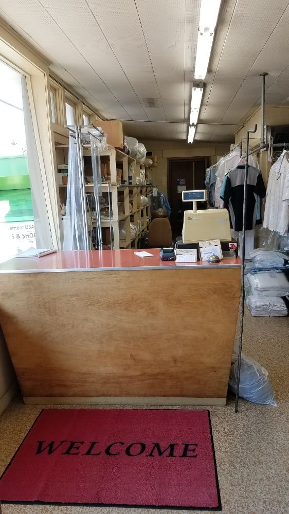 Heath's Laundry: 521 SW 3rd Ave, Albany, OR