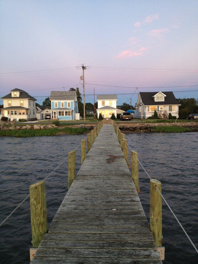 Island Getaways: 7038 Maddox Blvd, Chincoteague, VA