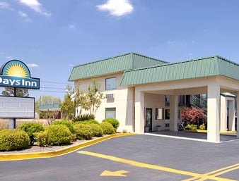 Days Inn by Wyndham Blakely: 1097 Arlington Avenue, Blakely, GA