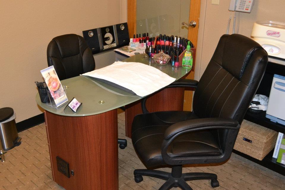 Sue's Finishing Touch LLC: 720 Rochester St, Mukwonago, WI