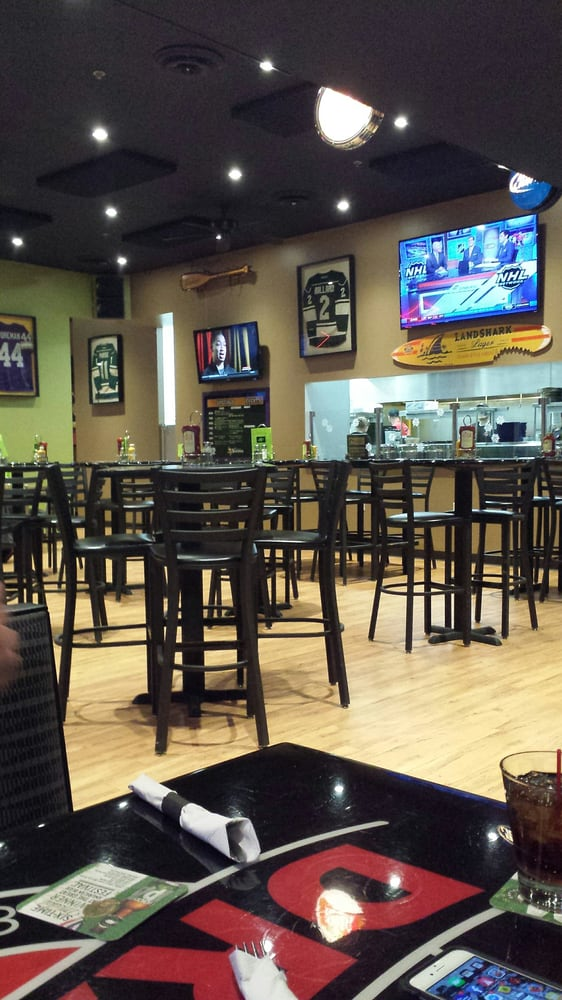 Drafts Sports Bar & Grill: 925 Fisher Ave, Crookston, MN