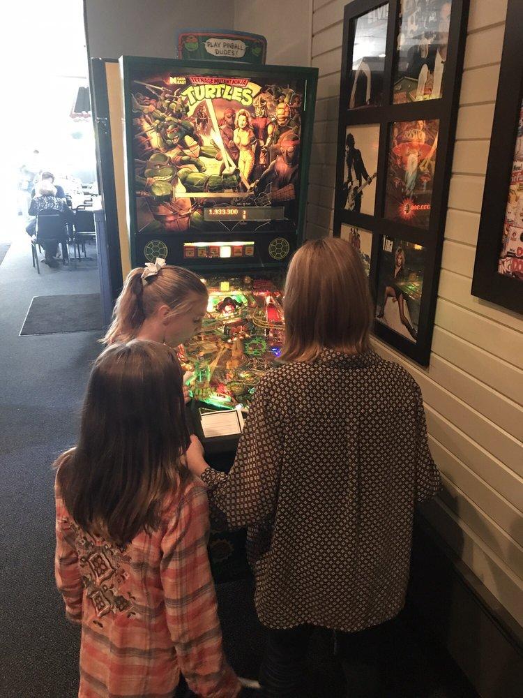 Wyse Guys Pizzeria: 315 W Main St, Montpelier, OH