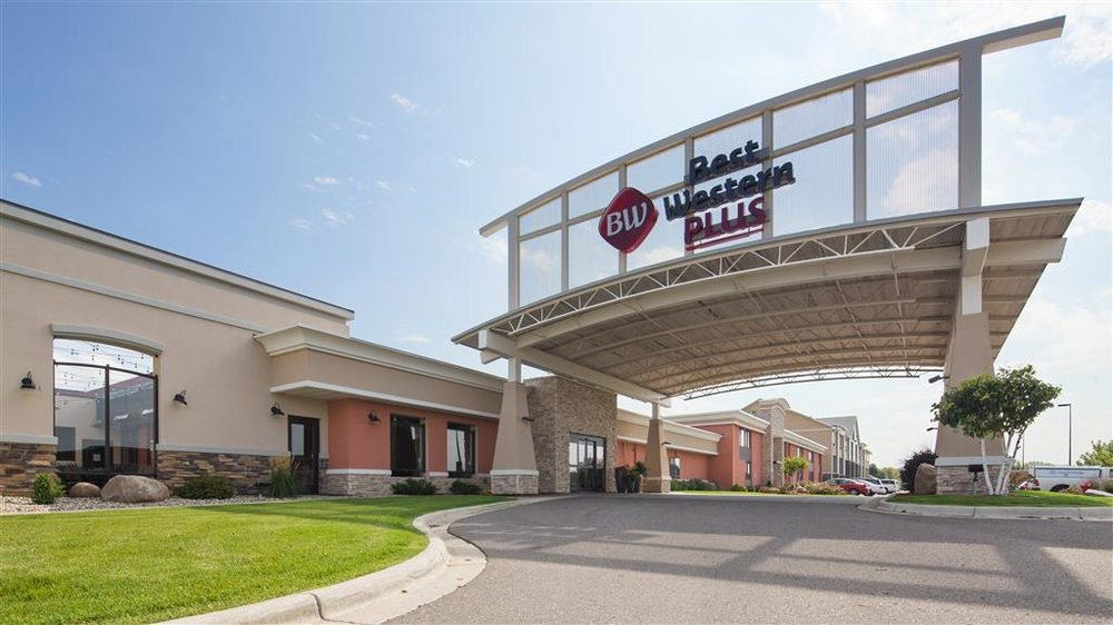 Best Western Plus Willmar: 2100 Highway 12 E, Willmar, MN