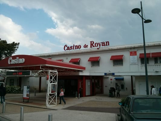 Cafeteria casino royan mobile poker real money iphone