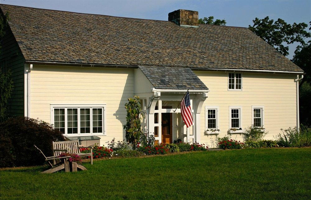 Storm King Lodge Bed & Breakfast: 100 Pleasant Hill Rd, New Windsor, NY