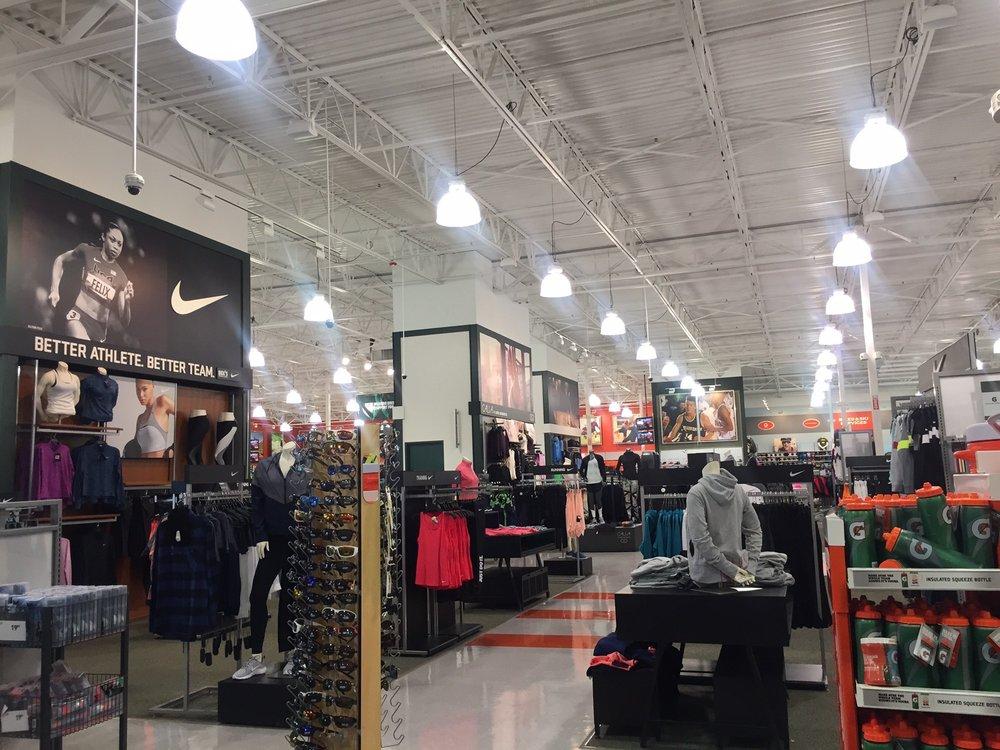 DICK'S Sporting Goods: 7280 NW Butler St, Hillsboro, OR