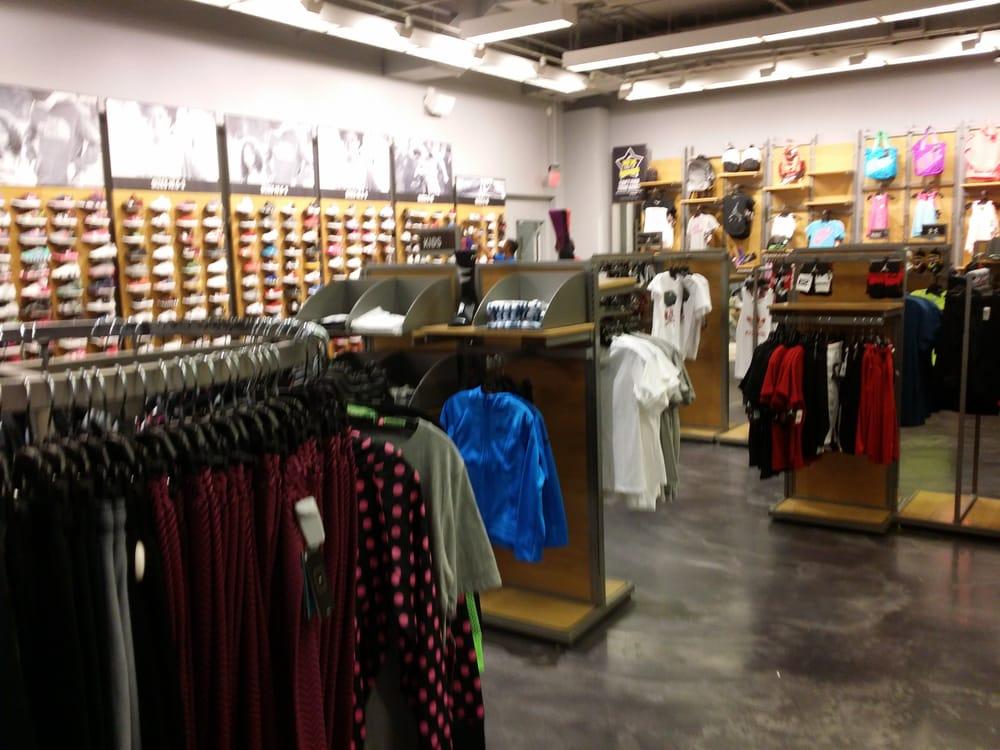 Finish Line Shoe Stores 2760 N Germantown Pkwy, Memphis