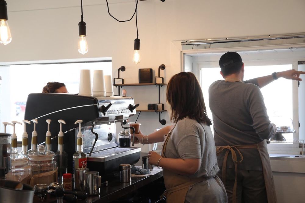 Grindstone Coffeeology: 816 8th St, Huntington, WV