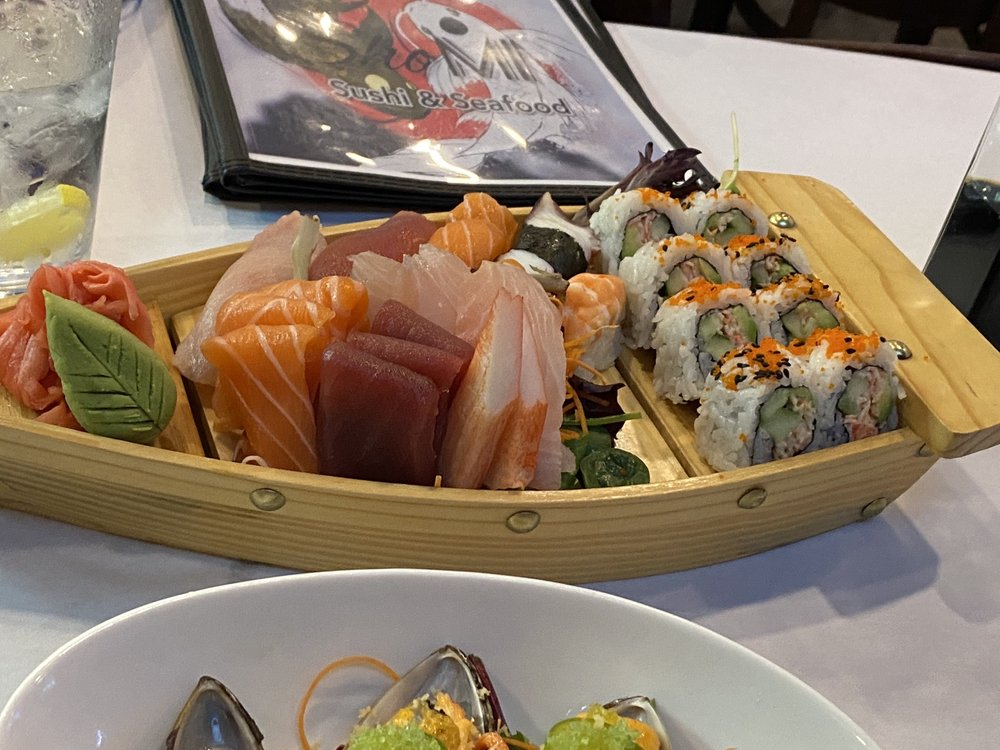 Shomi Sushi & Seafood: 13680 Walsingham Rd, Largo, FL