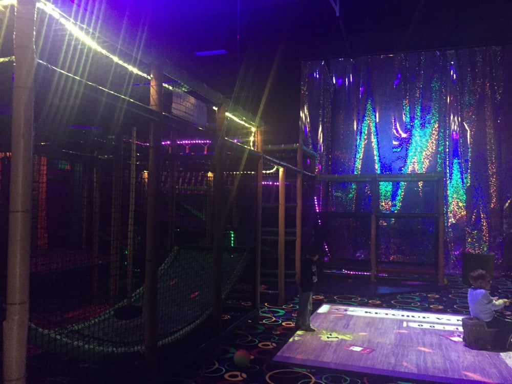 Laser Tag Floor Plan: Indoor Play Structure And Dance Floor