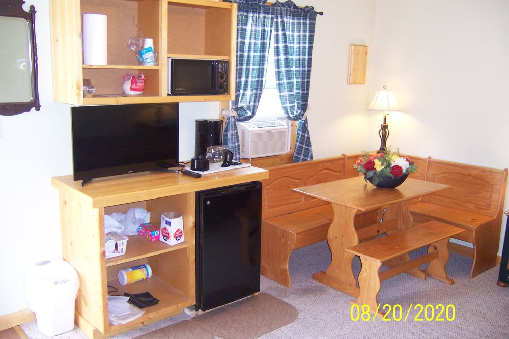Green Oasis Campground: 540 12th Ave N, Greybull, WY