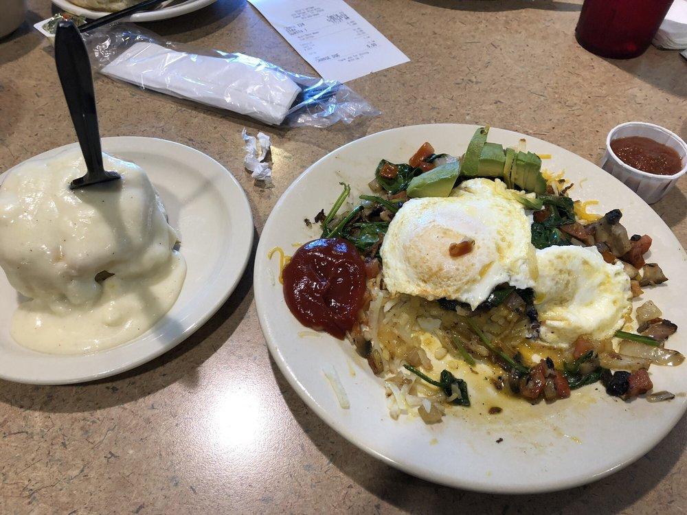 Uptown Café: 8888 Uptown Blvd, Cedar Hill, TX