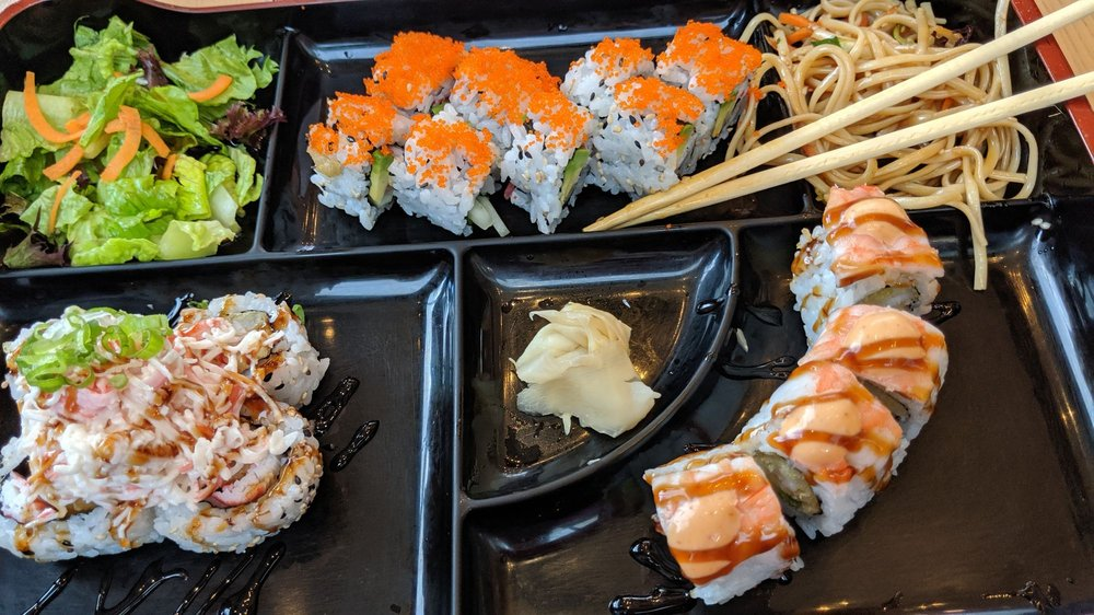 Bento Asian Kitchen + Sushi: 3254 Margaritaville Blvd, Kissimmee, FL