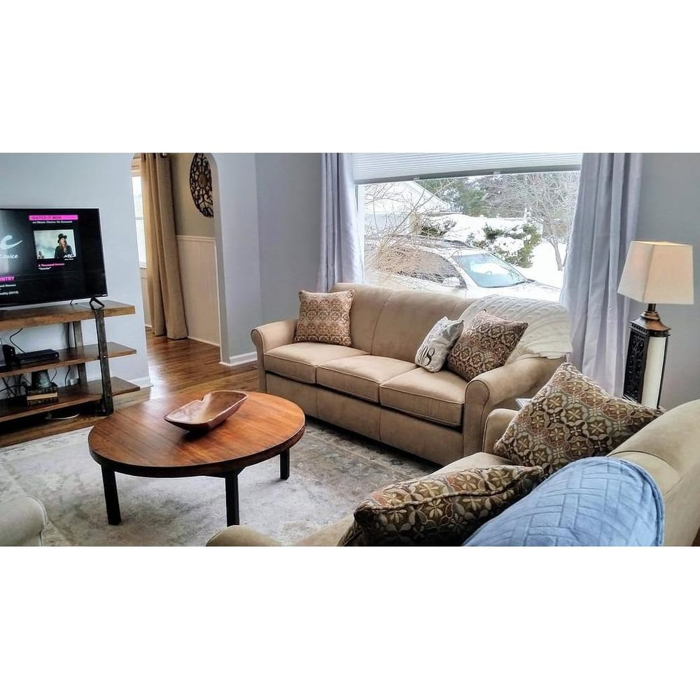 Up North Property Services: 135 W Chisholm St, Alpena, MI