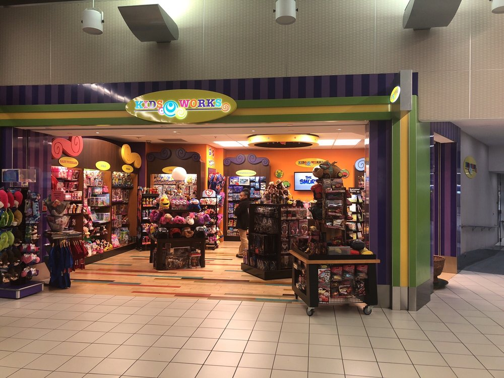 Kids Works - St. Louis Airport: St Louis International Airport, Saint Louis, MO