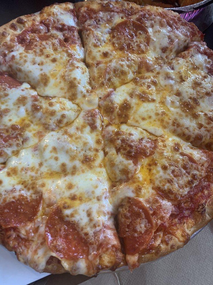 5 Buck Pizza: 635 N Main St, Fillmore, UT