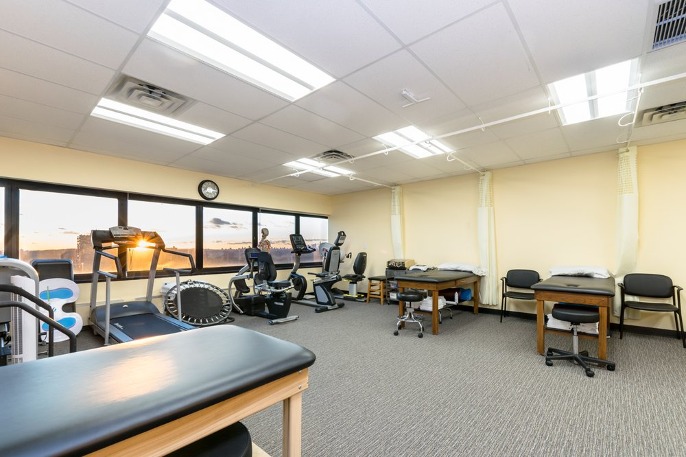 MOTION Sports Medicine: 118-35 Queens Blvd, Forest Hills, NY