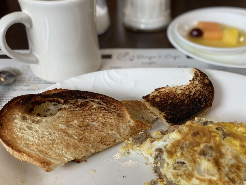 Darya's Cafe: 170 North Main St, Middleton, MA