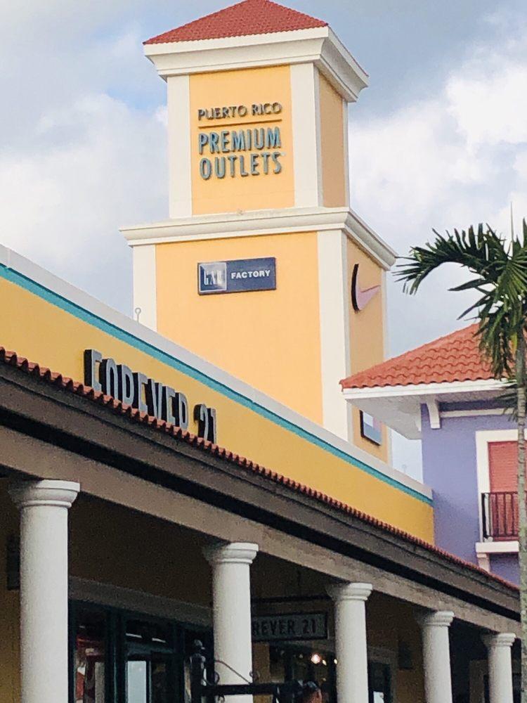 Lids: Bulevar Premium Outlets 210, Barceloneta, AL