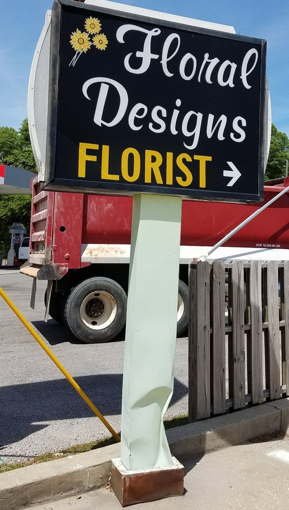 Floral Designs: 434 W James Lee Blvd, Crestview, FL