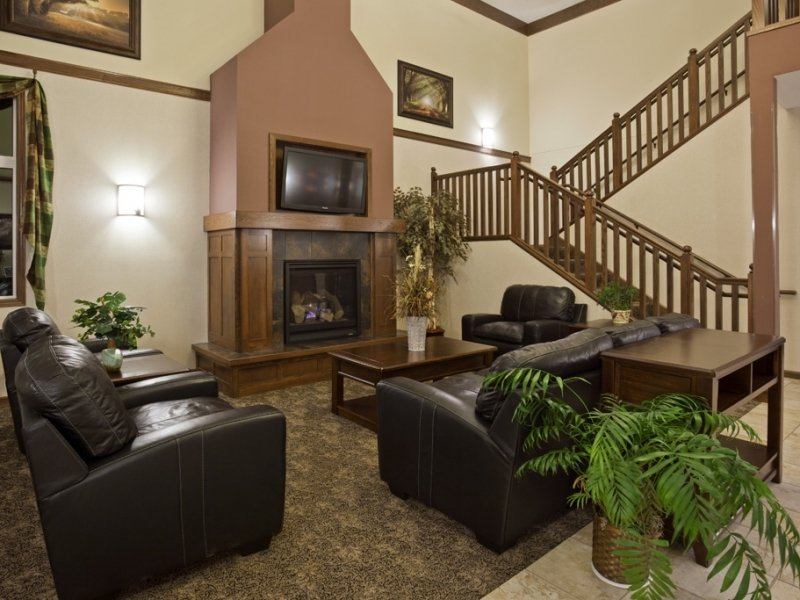 GrandStay® Hotel & Suites Parkers Prairie: 211 W Main St, Parkers Prairie, MN