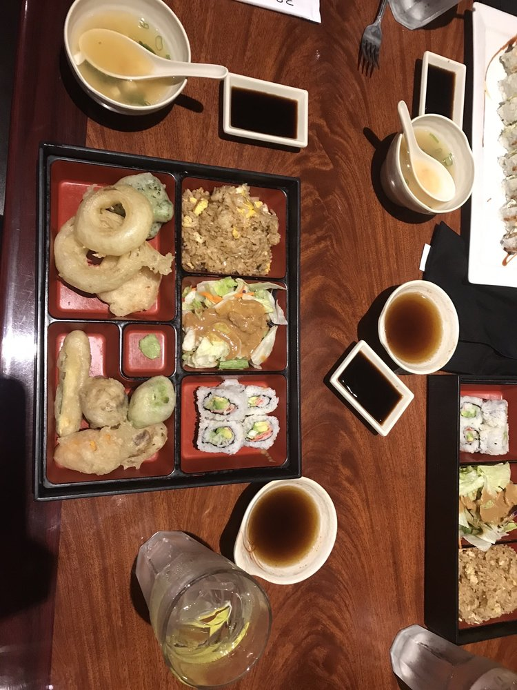 Han Shin Japanese Restaurant: 7254 W 121st St, Overland Park, KS