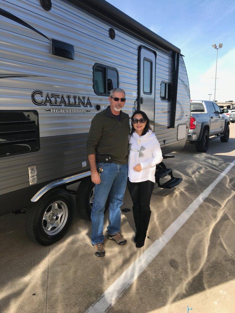 Holiday World of Alvarado: 5200 S Interstate 35W, Alvarado, TX