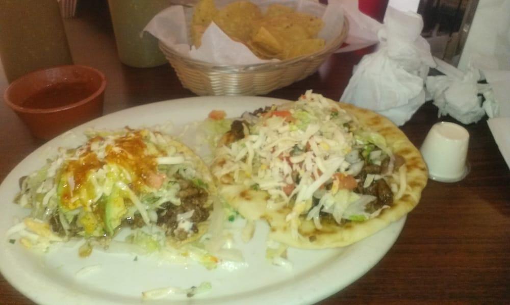 De La o Restaurant & Bar: 720 Illinois Ave, Mendota, IL
