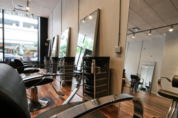Sir hair salon hairdressers 809 w hastings street for A salon vancouver
