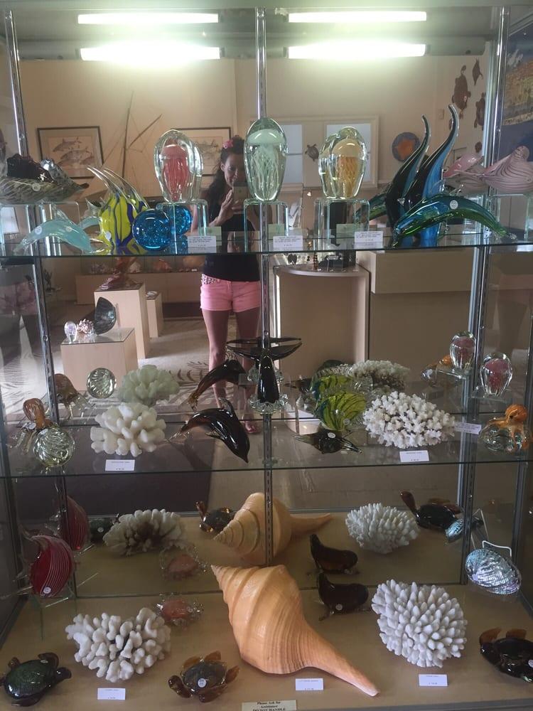 Pacifica - Jewelry and Seashells: 55-3410A Akoni Pule Hwy, Hawi, HI