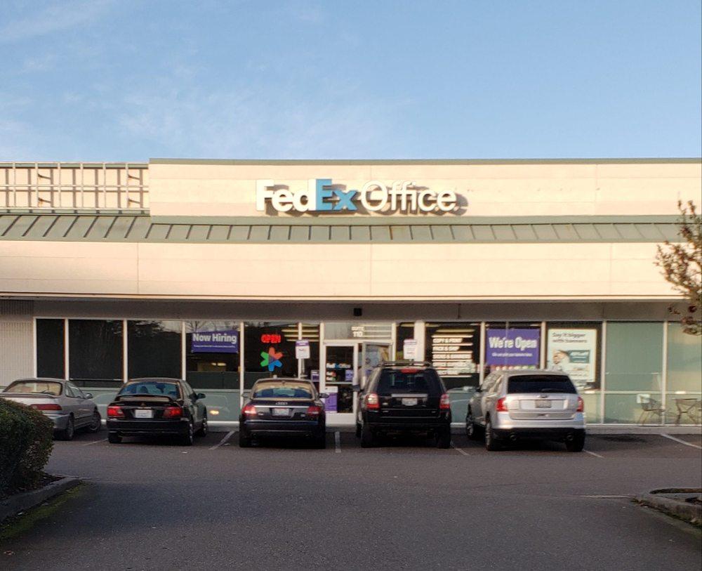 FedEx Office Print & Ship Center: 3611 196th St SW, Lynnwood, WA