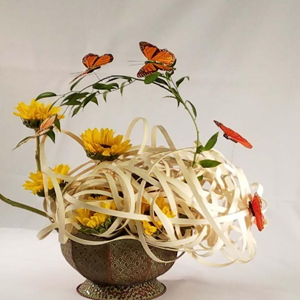 Goggans Florist: 21 Market St, Barnesville, GA