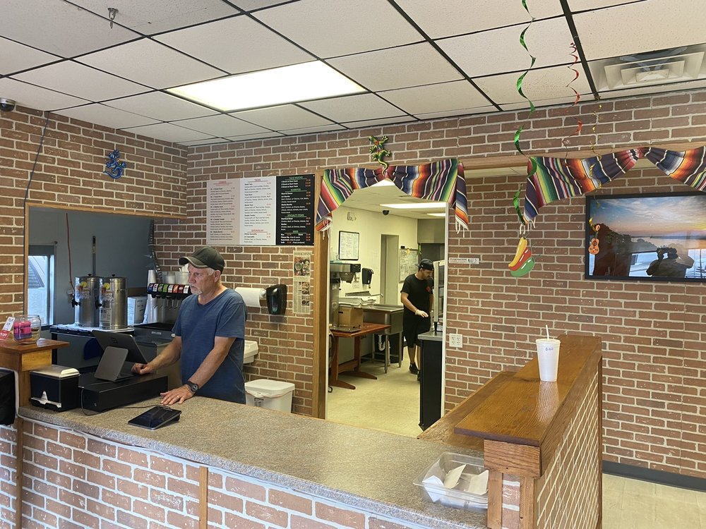 Machos Tacos: 515 W Main St, Jackson, MO